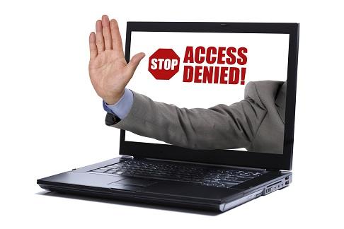 Imagen de un portátil del que sale una mano diciendo